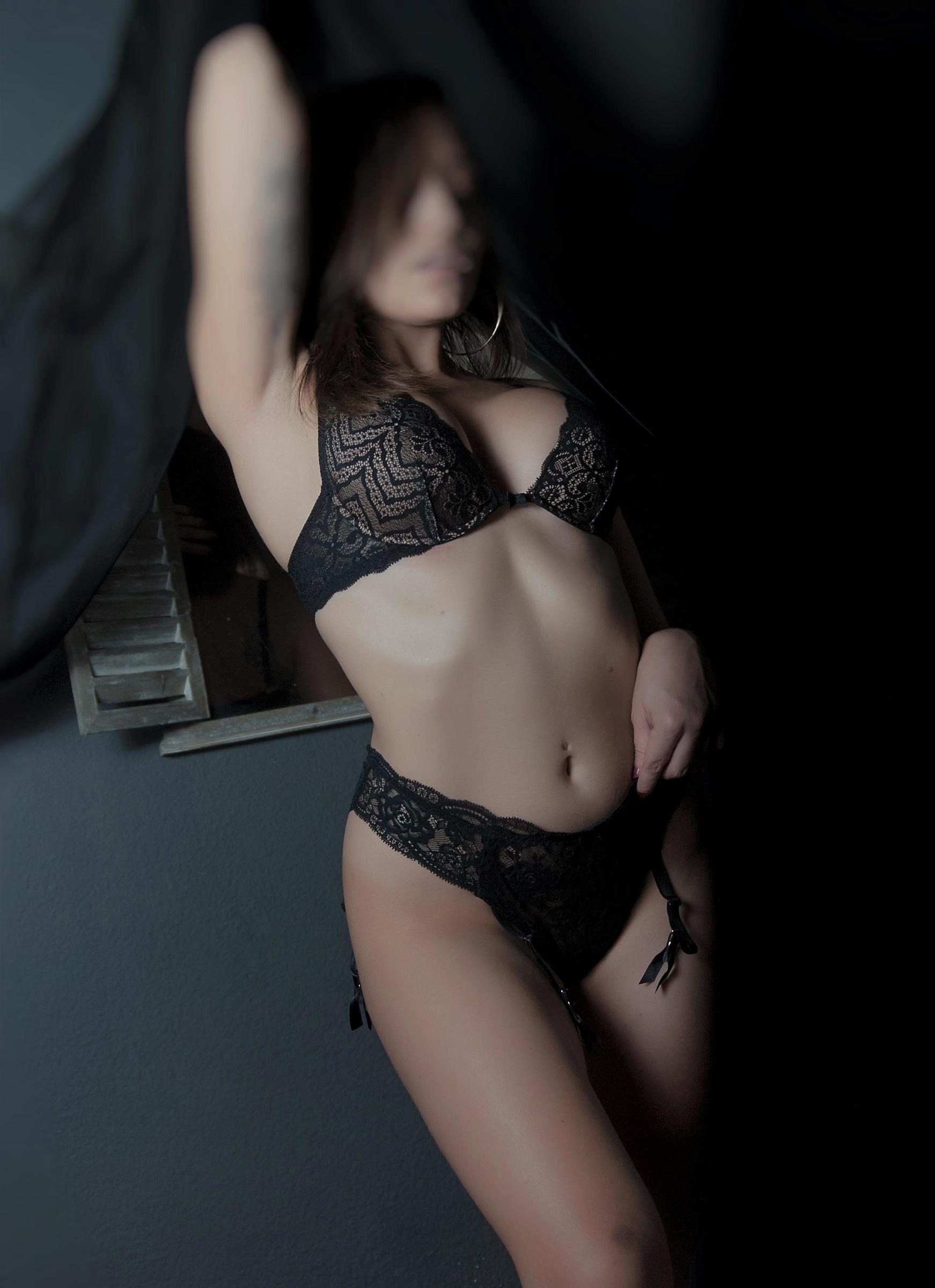 Alicante erotic masseurs - Saramasaje